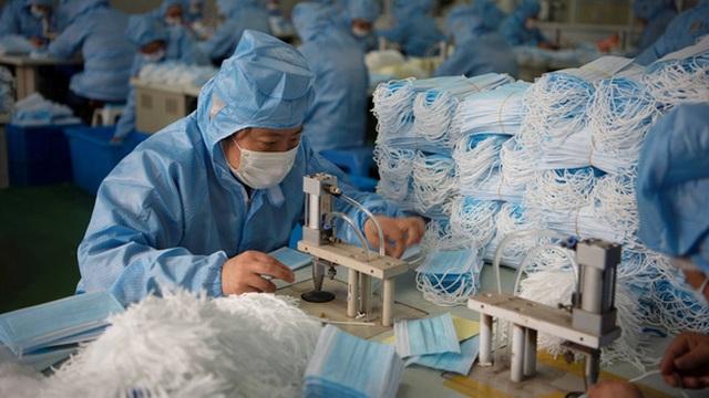 Trung Quốc thu hồi 90 triệu khẩu trang kém chất lượng - 1