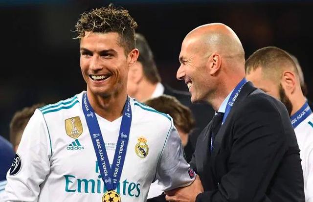 Các huấn luyện viên hàng đầu thế giới nói gì về C.Ronaldo và Messi? - 2