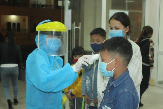 Thừa Thiên Huế tiếp nhận cách ly 39 công dân Việt Nam từ Lào về - 3
