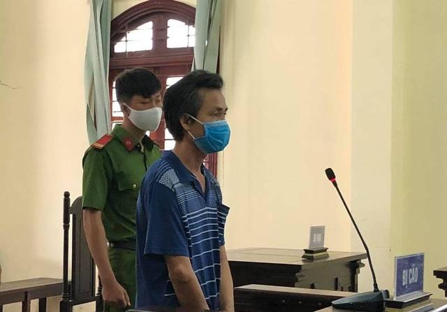 Bị án tù vì không đeo khẩu trang, chống đối người thi hành công vụ - 1
