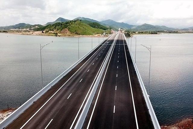Quảng Ninh: Cao tốc Vân Đồn - Móng Cái tăng vốn đầu tư lên hơn 13.000 tỉ đồng - 1  Quảng Ninh: Cao tốc Vân Đồn – Móng Cái tăng vốn đầu tư lên hơn 13.000 tỉ đồng caotoc van don 1588029660470