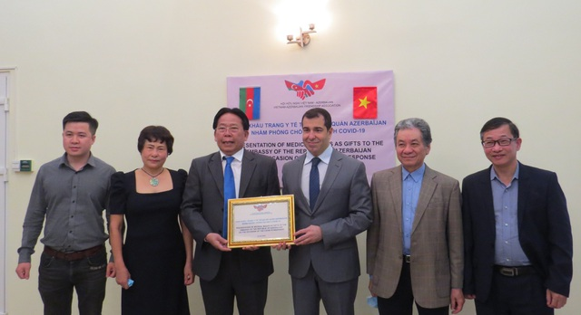 10.000 khẩu trang hỗ trợ Azerbaijan chống đại dịch Covid-19 - 1