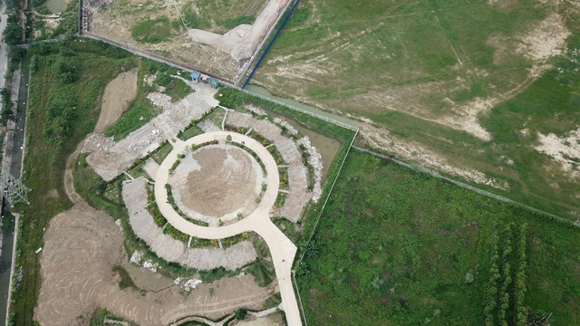 Doanh nghiệp Trung Quốc xây vườn hoa giống hình đường lưỡi bò - 3