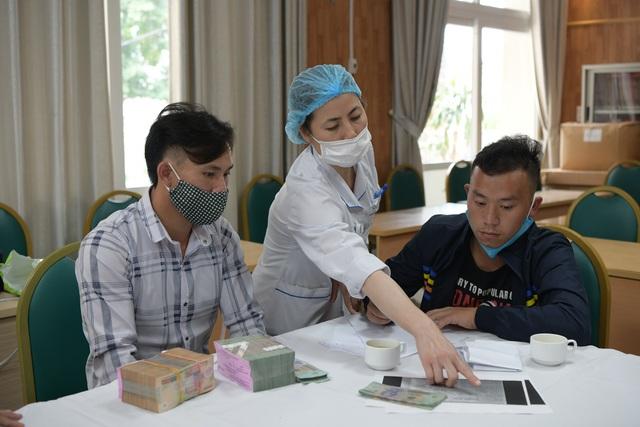 Gia đình 4 người tử vong ngộ độc nấm giúp bệnh nhân nghèo 400 triệu đồng - 2