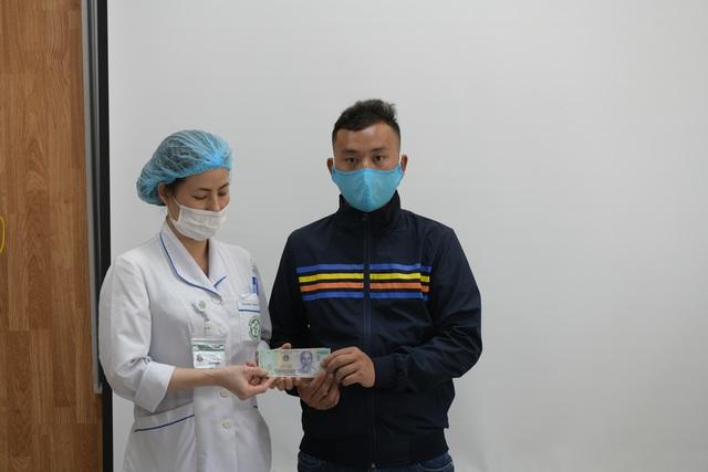 Gia đình 4 người tử vong ngộ độc nấm giúp bệnh nhân nghèo 400 triệu đồng - 5