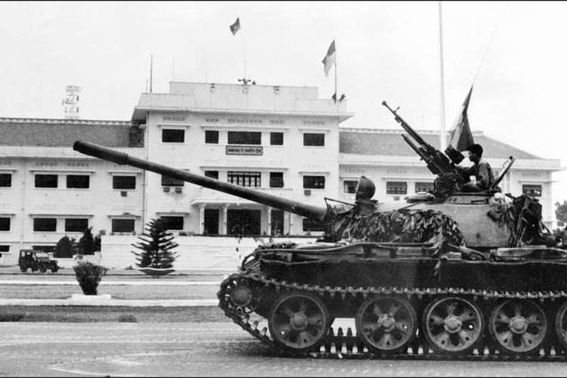 Những khoảnh khắc lịch sử ngày giải phóng Sài Gòn trên báo chí quốc tế - 5