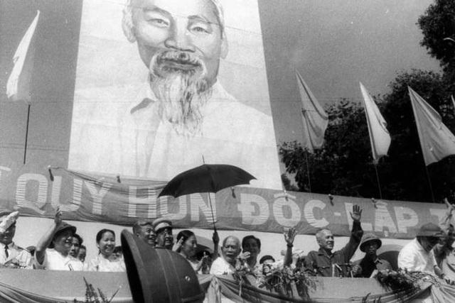 Những khoảnh khắc lịch sử ngày giải phóng Sài Gòn trên báo chí quốc tế - 11