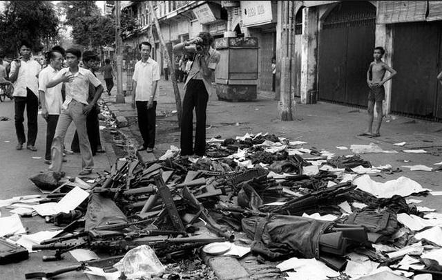 Những khoảnh khắc lịch sử ngày giải phóng Sài Gòn trên báo chí quốc tế - 13