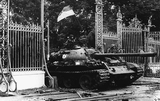 Những khoảnh khắc lịch sử ngày giải phóng Sài Gòn trên báo chí quốc tế - 2