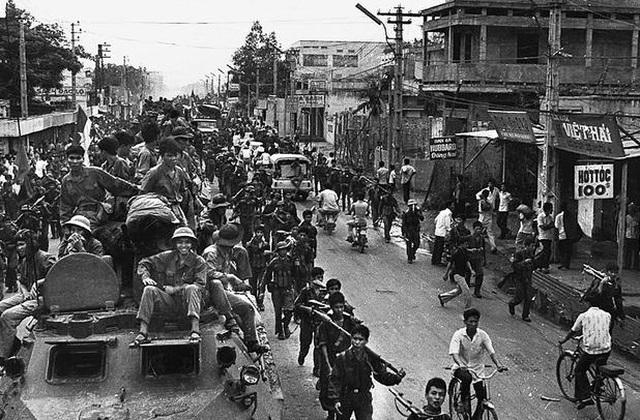 Những khoảnh khắc lịch sử ngày giải phóng Sài Gòn trên báo chí quốc tế - 8