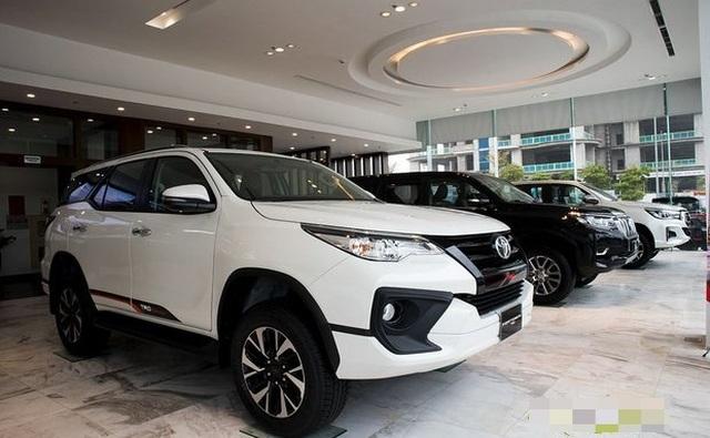 Covid-19 khiến xe nhập giảm sốc 6.000 chiếc, giá tăng trăm triệu đồng - 1