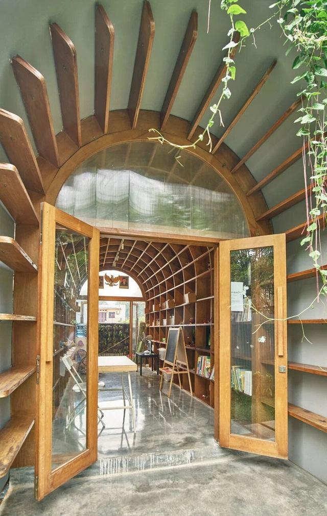 Ngôi nhà phủ kín cây xanh như bước ra từ câu chuyện cổ tích - 6