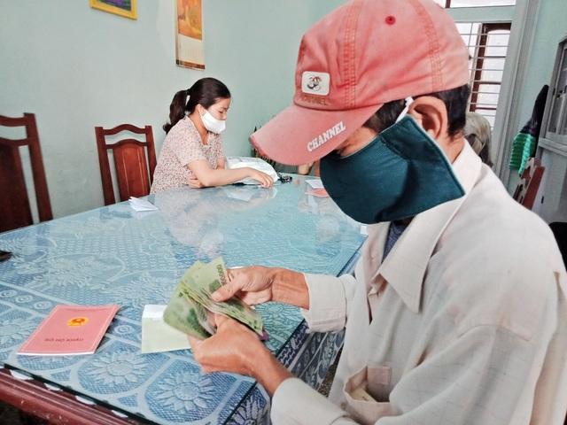 TP Huế: Người nghèo mừng vì nhận được tiền hỗ trợ từ Chính phủ  - 5
