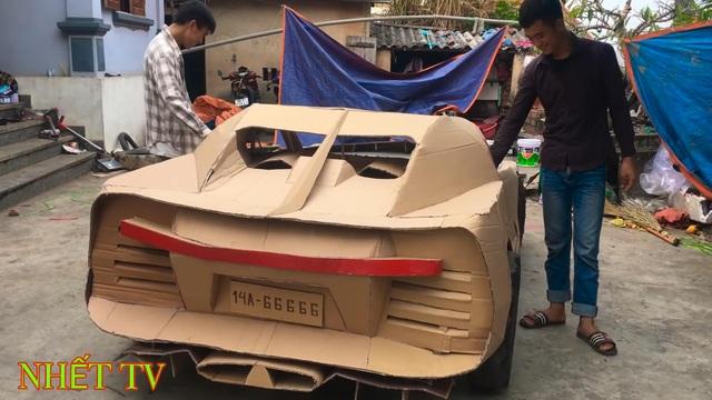 Siêu xe tự chế bằng bìa các-tông của người Việt lên báo Tây - 3