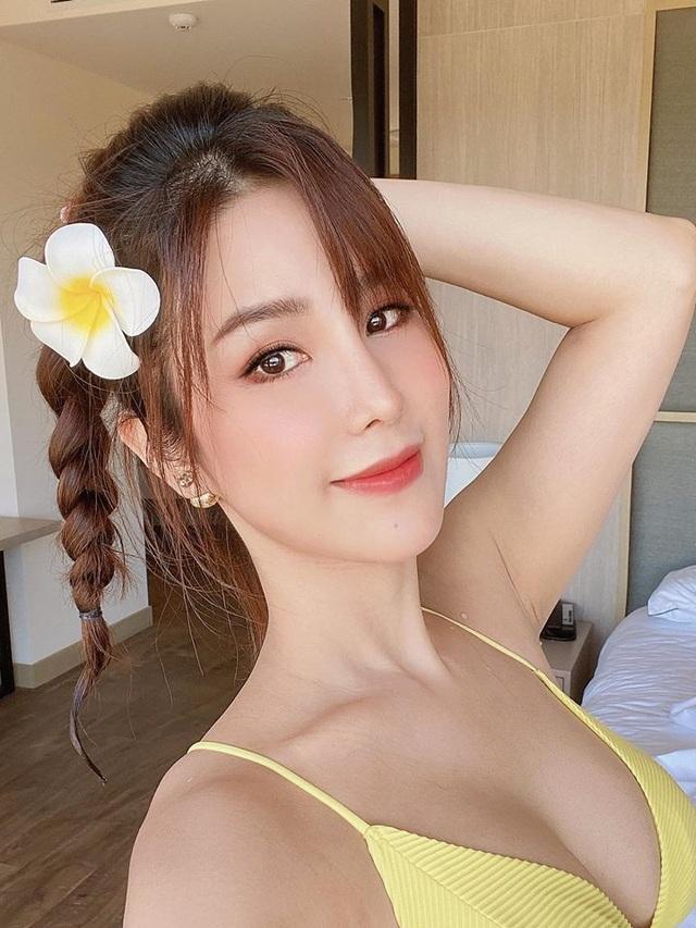 Tiên Nguyễn cùng dàn mỹ nhân Việt khoe dáng gợi cảm trong kỳ nghỉ - 2