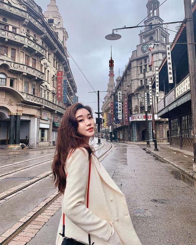 Hot girl Lào gây sốt mạng xã hội Việt, từng học ĐH Ngoại thương - 16