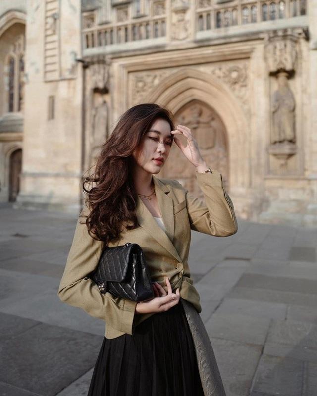 Hot girl Lào gây sốt mạng xã hội Việt, từng học ĐH Ngoại thương - 18