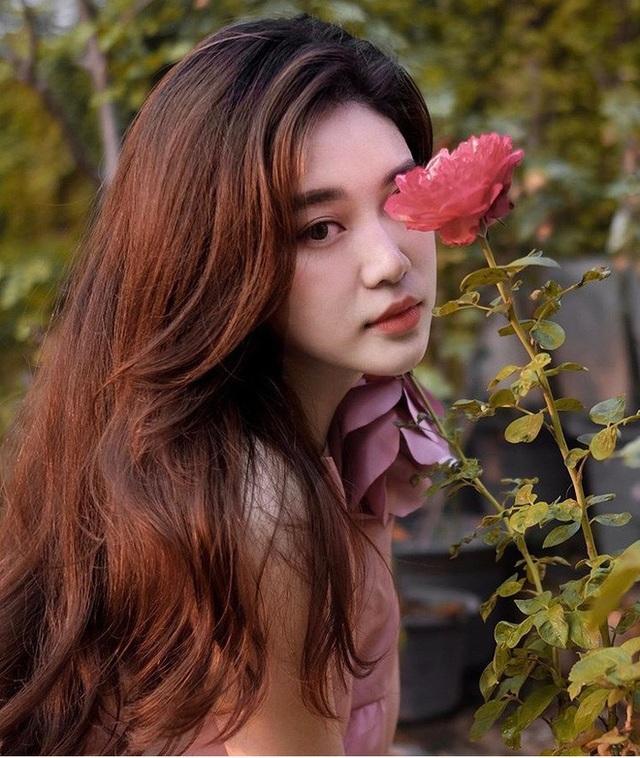 Hot girl Lào gây sốt mạng xã hội Việt, từng học ĐH Ngoại thương - 5