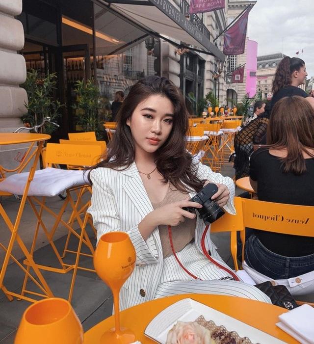 Hot girl Lào gây sốt mạng xã hội Việt, từng học ĐH Ngoại thương - 9