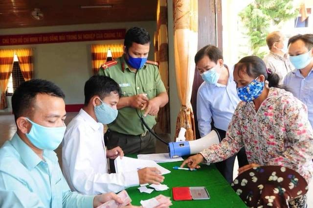 Thừa Thiên Huế: Hơn 95% của 4 nhóm người dân đã nhận tiền từ ngày 29-30/4 - 1
