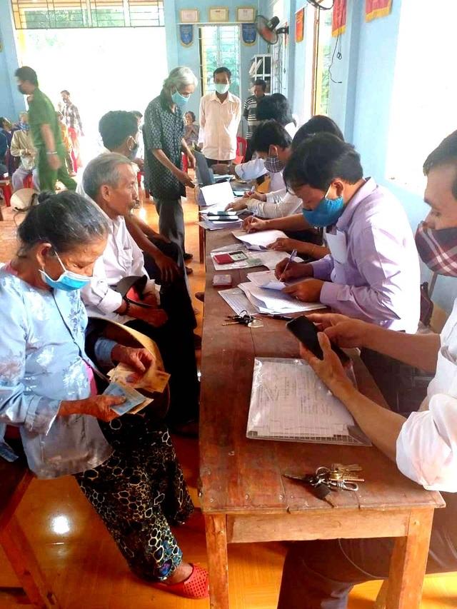 Thừa Thiên Huế: Hơn 95% của 4 nhóm người dân đã nhận tiền từ ngày 29-30/4 - 5