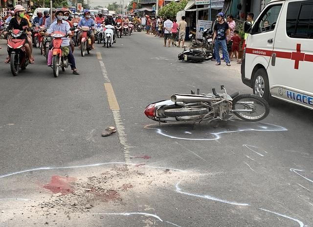 Tai nạn trên quốc lộ, 5 người thương vong - 1