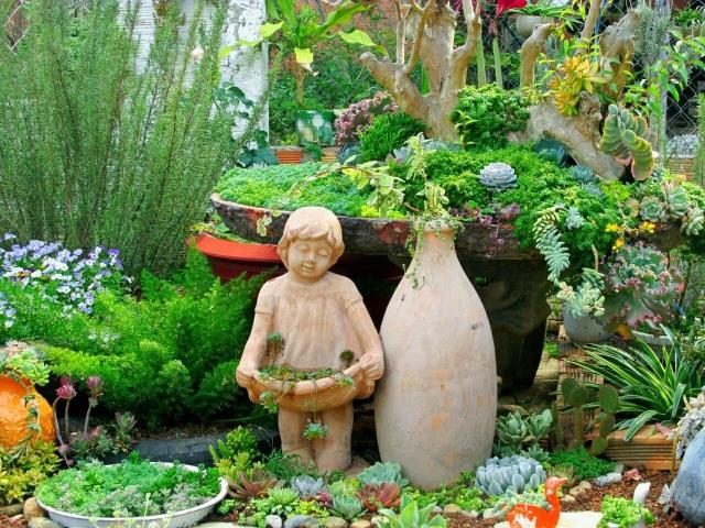 Độc đáo khu vườn ve chai của chị gái Lâm Đồng - 11