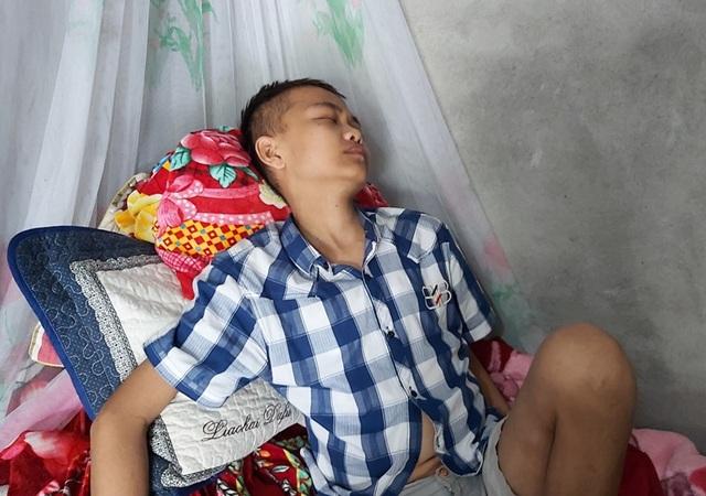 Ước mơ cháy bỏng được tiếp tục đến trường của nam sinh suy thận - 2