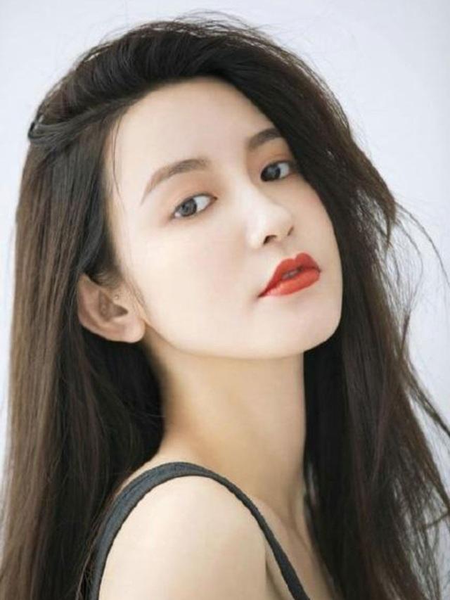Hotgirl 8x nói gì trước tin đồn mang thai với cựu chủ tịch Taobao - 1