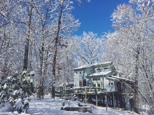 Ngôi nhà đẹp mê hồn giữa tuyết trắng của nữ nhà văn Việt - 1