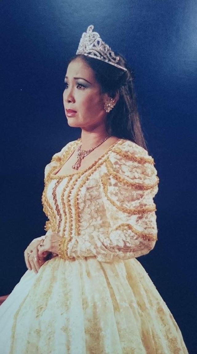 NSND Kim Xuân trải lòng về một thời tuổi trẻ gắn bó với Sài Gòn - 8