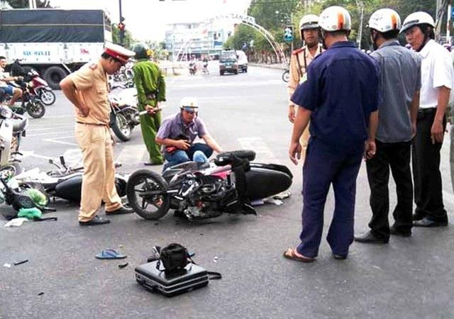 24 người chết vì tai nạn giao thông trong ngày 2/5 - 1