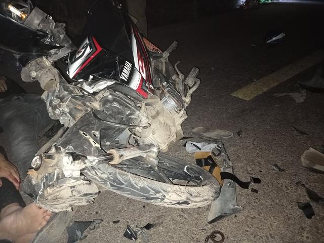 3 thanh niên lao xe vào nhau, 1 người tử nạn - 2