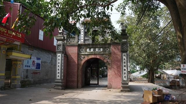 Kỳ lạ làng có những ngôi nhà xây bằng tiểu sành độc nhất ở Việt Nam - 1