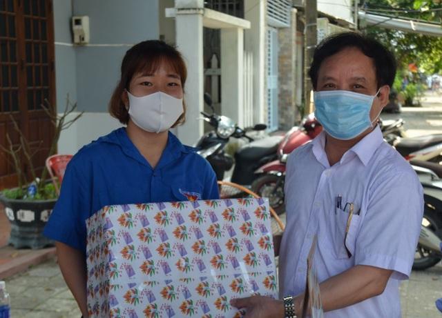 ĐH Đà Nẵng hỗ trợ 20 tỷ đồng giúp sinh viên vượt khó mùa dịch Covid-19 - 1