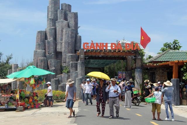 Phú Yên đón gần 14.000 lượt khách đến tham quan trong kỳ nghỉ lễ - 2