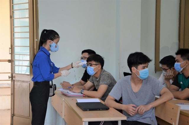 ĐH Đà Nẵng hỗ trợ 20 tỷ đồng giúp sinh viên vượt khó mùa dịch Covid-19 - 2