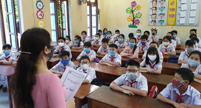 Hàng triệu học sinh đi học trở lại, nhà trường tích cực phòng ngừa dịch - 15