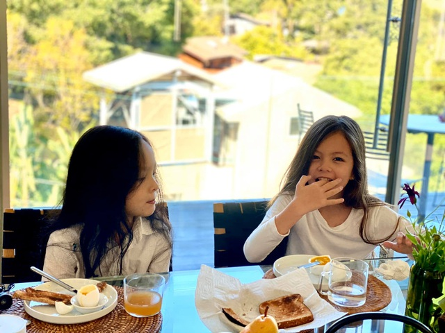 Cuộc sống bình yên của Diva Hồng Nhung cùng cặp song sinh tại biệt thự ở Mỹ - 8