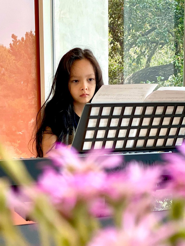 Cuộc sống bình yên của Diva Hồng Nhung cùng cặp song sinh tại biệt thự ở Mỹ - 15