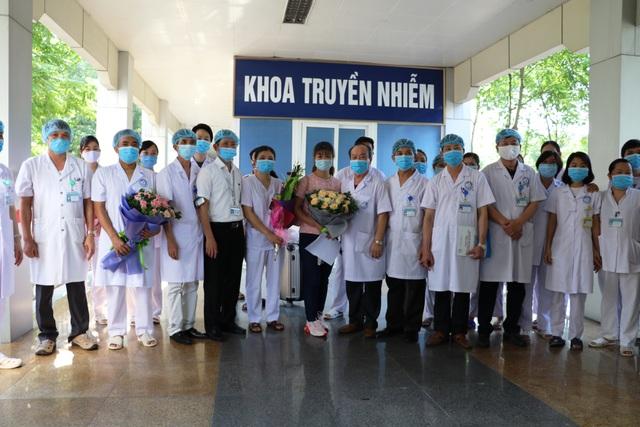 Bệnh nhân Covid–19 cuối cùng tại Bệnh viện đa khoa Ninh Bình xuất viện