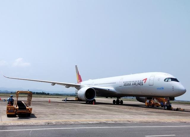 Sân bay Vân Đồn đón gần 300 chuyên gia Hàn Quốc - 1