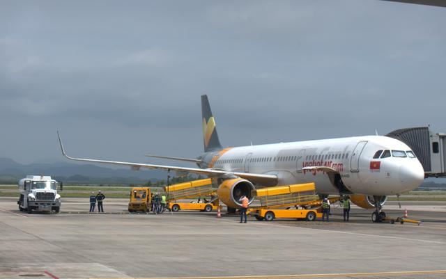 Sân bay Vân Đồn đón gần 300 chuyên gia Hàn Quốc - 2