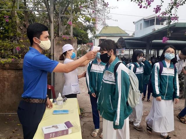Hàng triệu học sinh đi học trở lại, nhà trường tích cực phòng ngừa dịch - 9