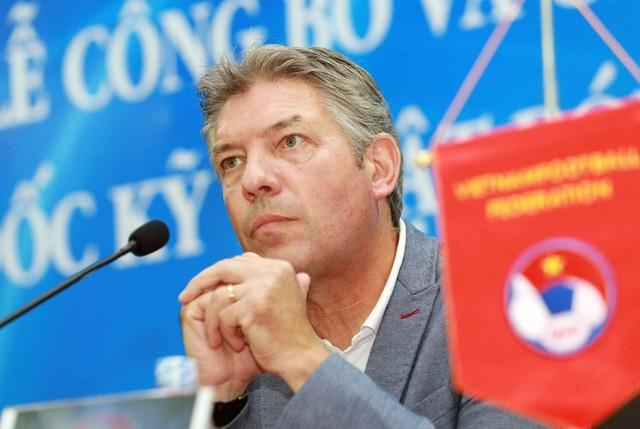 Báo Malaysia tiết lộ bất ngờ về cuộc chia tay giữa VFF và Jurgen Gede - 1