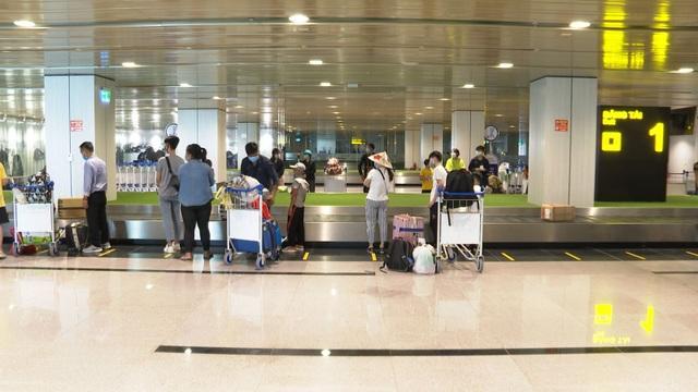 Sân bay Vân Đồn đón gần 300 chuyên gia Hàn Quốc - 3