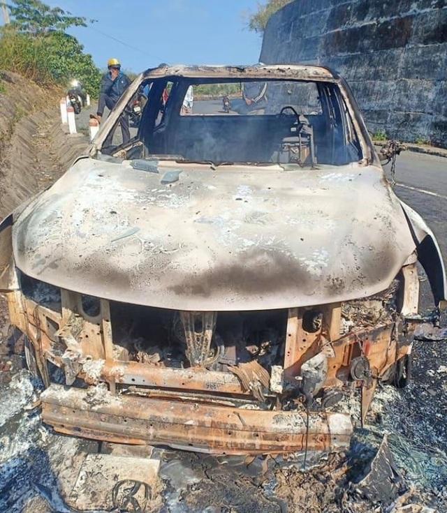 Thi thể biến dạng trong xe ô tô cháy rụi là một lãnh đạo xã? - 1