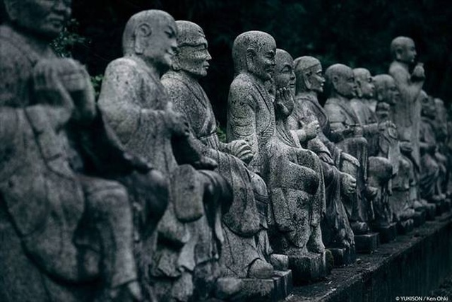 Hơn 800 bức tượng bỏ hoang gây rùng rợn, ám ảnh - 6