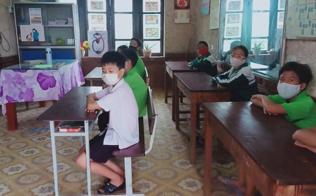 Hàng triệu học sinh đi học trở lại, nhà trường tích cực phòng ngừa dịch - 8