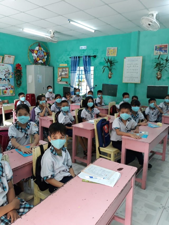 Đà Nẵng: Trang bị cả máy rửa tay sát khuẩn tự động cho giáo viên, học sinh - 8